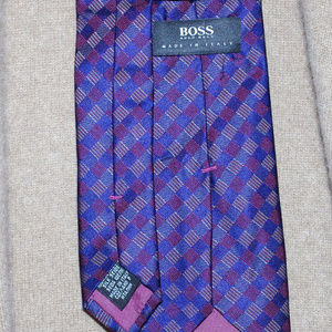 Hugo Boss Silk Purple Burgundy Print Silk Tie 59""